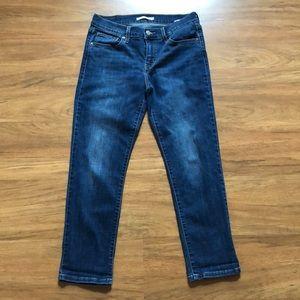 Levi's Boyfriend Jeans. Size 28